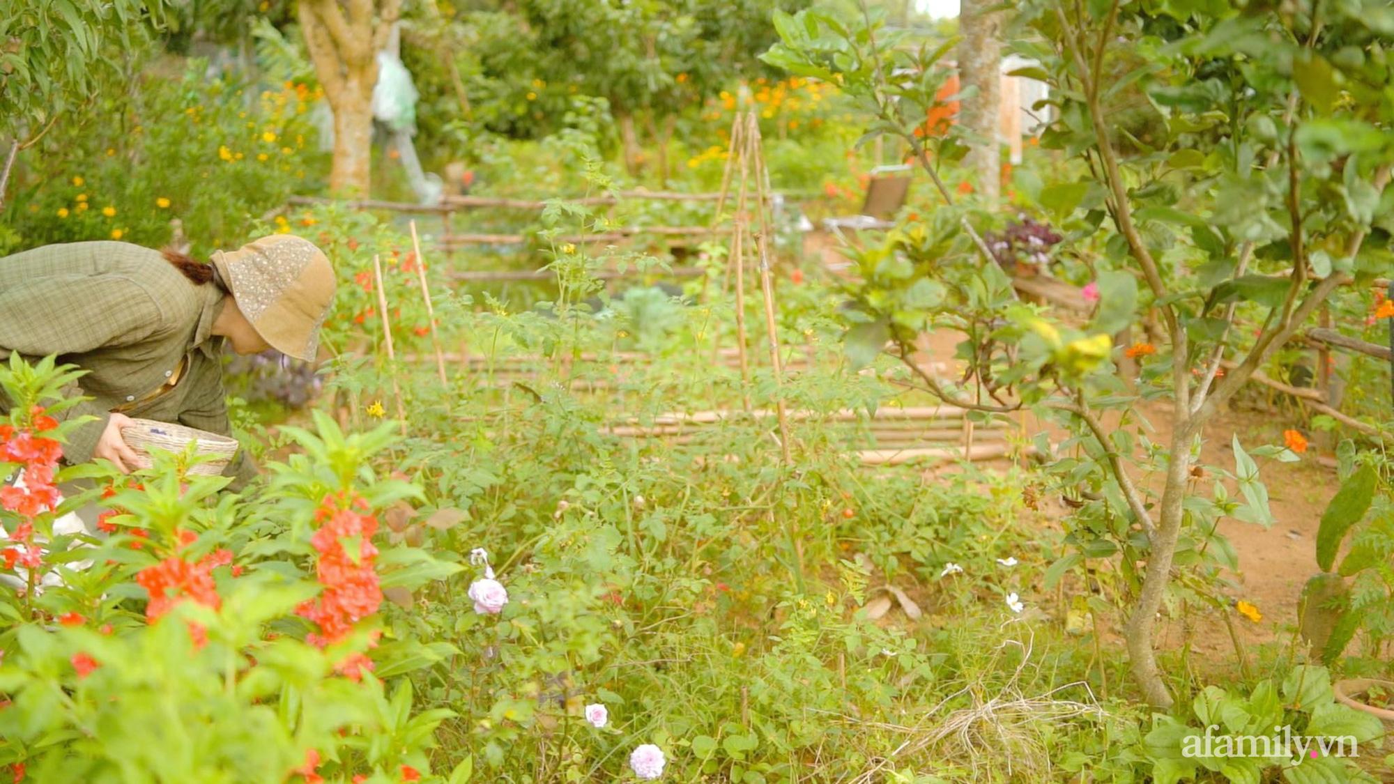 Chán cuộc sống bon chen ở phố, cặp vợ chồng 9X có thu nhập ổn định quyết định chọn về quê sống bình yên bên vườn tược ở Đắk Lắk - Ảnh 3.