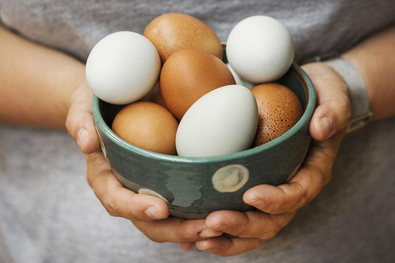 Đang bão MXH bức ảnh thu gom trứng ở siêu thị giữa lúc Sài Gòn căng thẳng vì dịch Covid-19, bạn chọn tìm hiểu thực hư hay hùa theo chỉ trích? - Ảnh 2.
