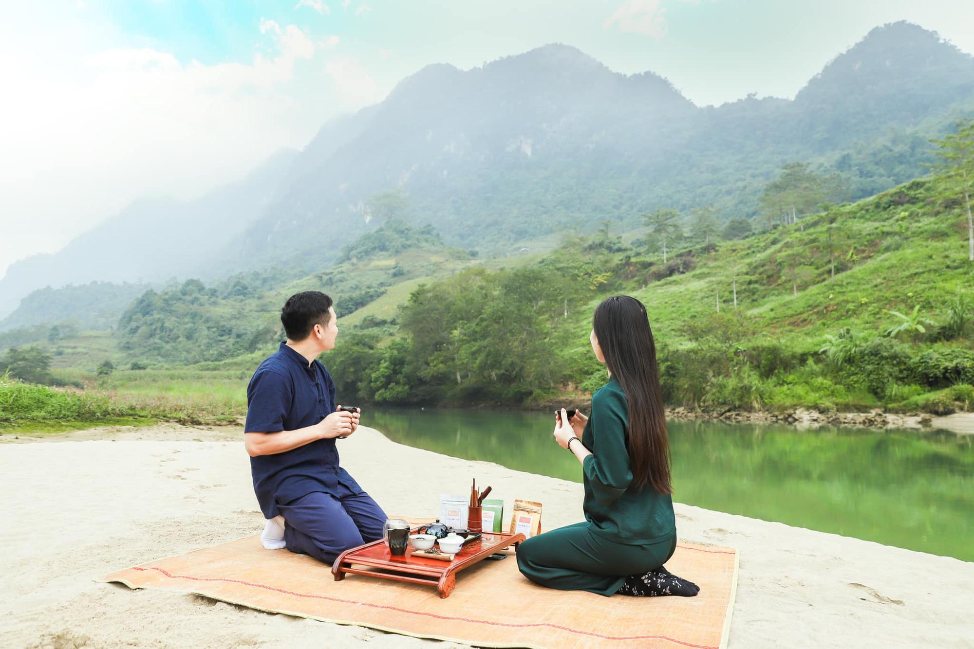 Các doanh nhân ở nhà mùa dịch: Shark Hưng chia sẻ cuốn sách mê mẩn mùa dịch, Hà Tăng khoe khu vườn xanh mát như trong mơ - Ảnh 9.
