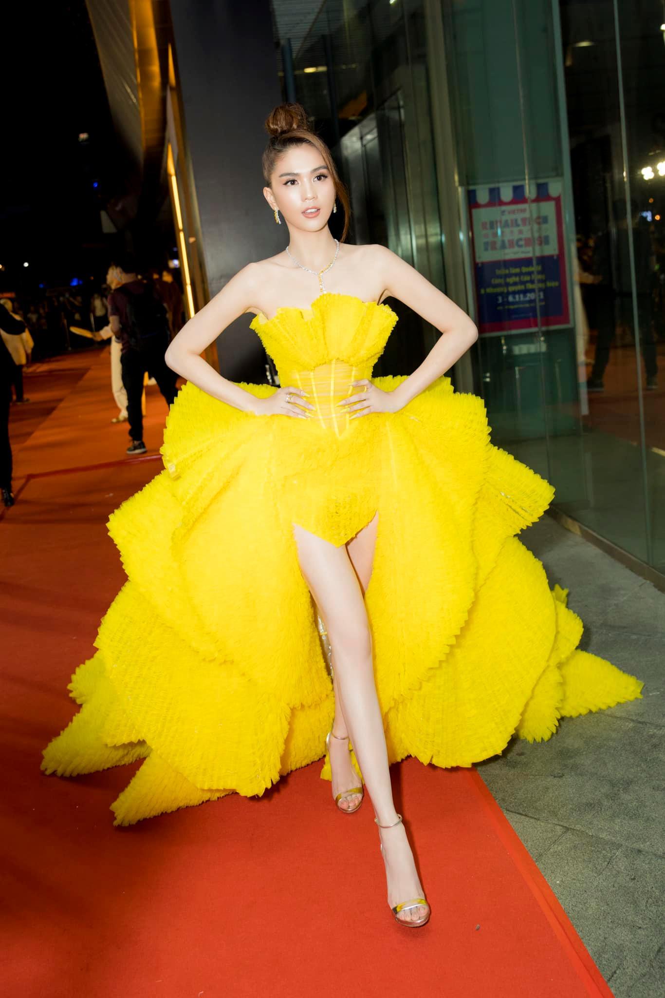 Nữ tỷ phú gốc Việt lộng lẫy như bà hoàng, đụng hàng Ngọc Trinh nhưng thần thái cách biệt hoàn toàn - Ảnh 5.