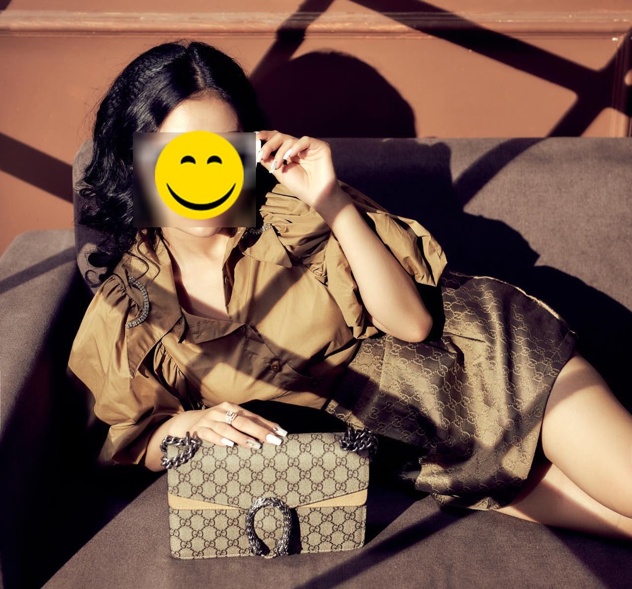 """Hội hot girl tài chính chuyên lên đồ lồng lộn, logo hàng hiệu rõ mồn một nhưng nhìn kỹ cứ hơi """"phèn"""" - Ảnh 8."""