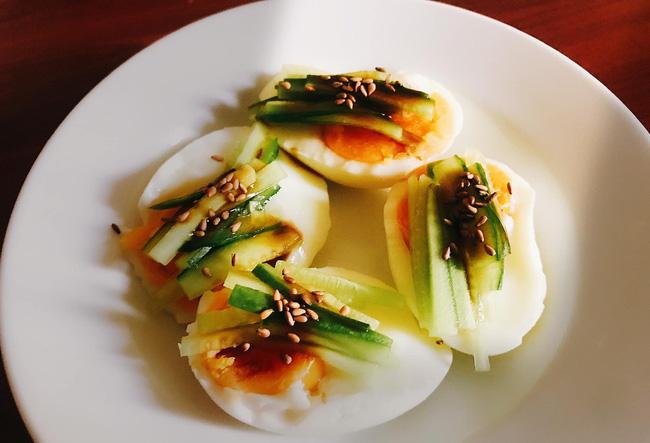"""Ăn trứng chiên, luộc mãi cũng ngán, thử """"đổi gió"""" làm món ăn vặt khuynh đảo giới trẻ Hàn Quốc này nhé! - Ảnh 1."""