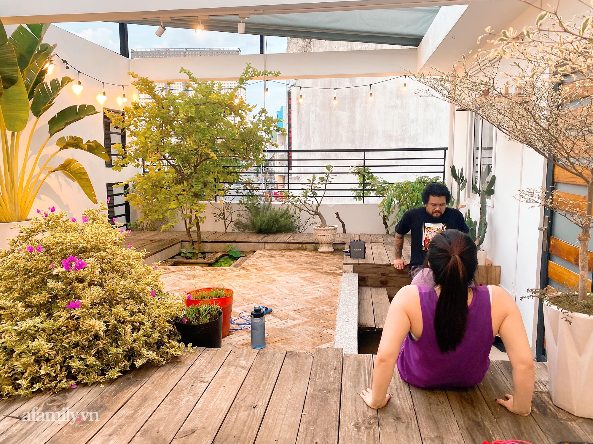 """Quá trình 2 năm phủ xanh căn nhà của một gia đình tại Sài Gòn, biến sân thượng thành """"công viên"""" sau lần giãn cách đầu tiên vì Covid - Ảnh 14."""