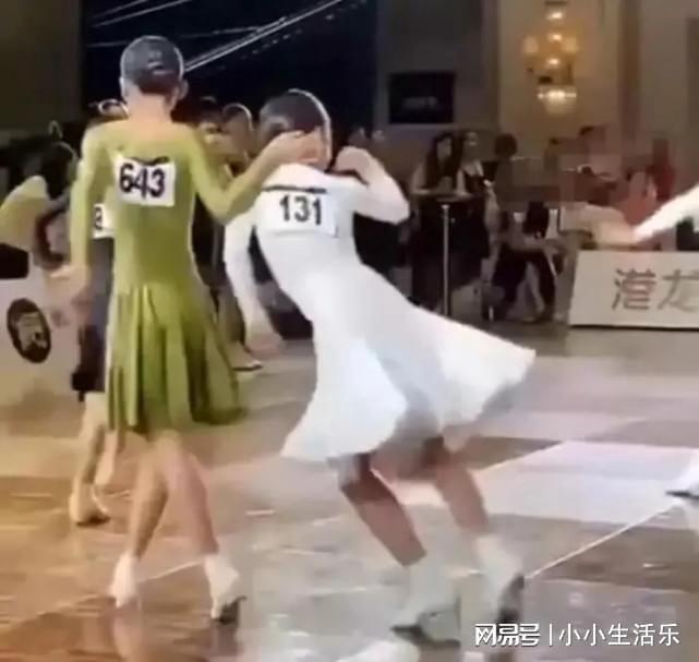"""Cô bé chơi xấu đối thủ trong cuộc thi khiêu vũ bị dân tình """"ném đá"""", cách phản ứng của nạn nhân cho thấy 2 nền giáo dục chênh lệch - Ảnh 5."""