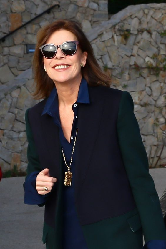 Con gái của Công nương Grace Kelly huyền thoại: Vị công chúa 64 tuổi chuyên mặc đồ Chanel sang hơn cả mẫu quốc tế - Ảnh 11.