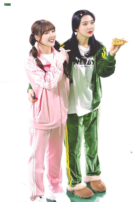 Dụi mắt vài lần cũng không nhận ra Joy (Red Velvet) - Yerin (GFriend) khi đọ visual gay gắt trong quảng cáo mới - Ảnh 2.