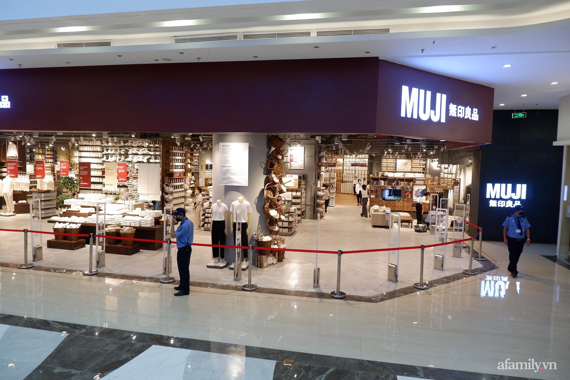 Cận cảnh store MUJI Hà Nội trước ngày khai trương với loạt đồ xinh hết nấc - Ảnh 1.