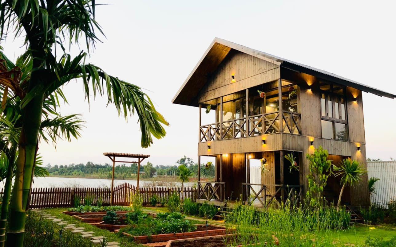 Căn nhà gỗ bình yên hướng tầm nhìn ra hồ nước trong veo, thơ mộng ở Buôn Mê Thuột
