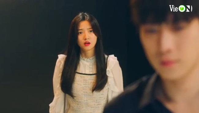 """Cuộc chiến thượng lưu 3 tập 8: Bị Seok Hoon """"đá"""", Ro Na bất ngờ cặp bồ với """"trai vô dụng"""" Minhyuk? - Ảnh 3."""