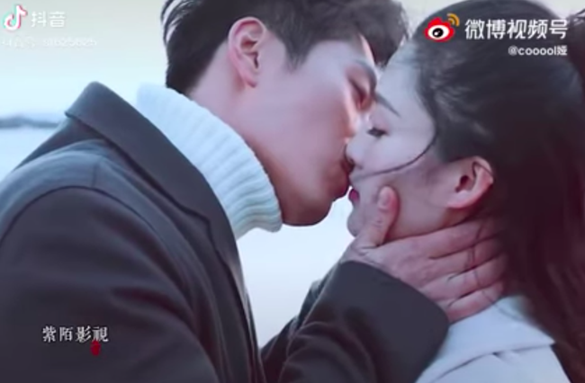 Hải thượng phồn hoa: Netizen tức giận vì cảnh hôn môi và ân ái 18+ của Lý Thấm - Đậu Kiêu bị cắt phũ phàng - Ảnh 4.