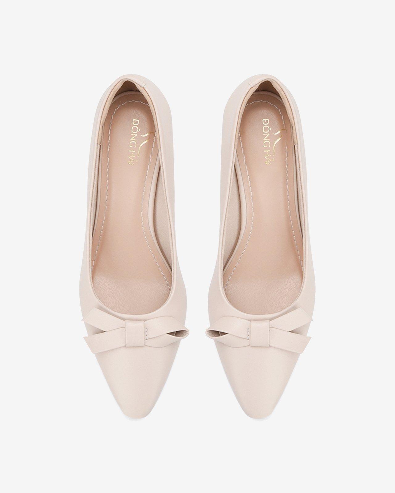 Kiểu giày chân ái của Son Ye Jin: Diện lên vừa hack dáng lại thanh lịch, style công sở sang hơn mấy phần - Ảnh 19.