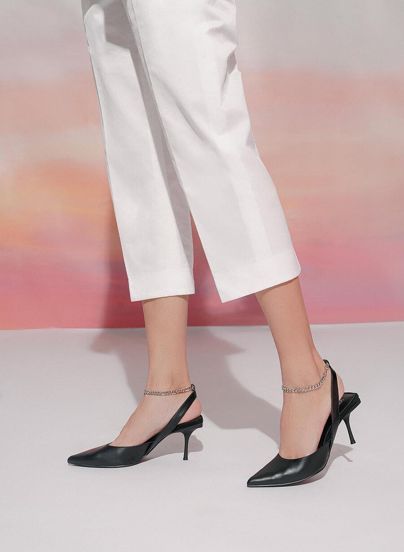 Kiểu giày chân ái của Son Ye Jin: Diện lên vừa hack dáng lại thanh lịch, style công sở sang hơn mấy phần - Ảnh 21.
