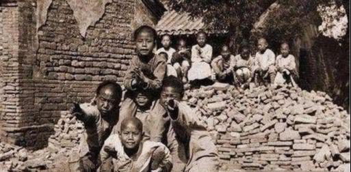 Sự thật rùng rợn về 100 đứa trẻ nằm trong lăng mộ của Từ Hi Thái Hậu, hé lộ tội ác gây phẫn nộ  - Ảnh 4.