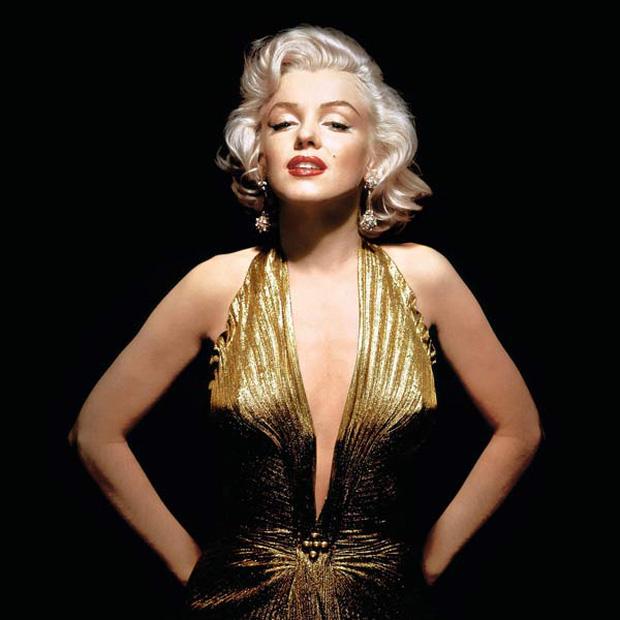 """""""Bom sex"""" Marilyn Monroe: Đâu chỉ có sắc vóc, gu thời trang của bà từ hàng chục thập kỉ trước đã đẹp muốn điên lên - Ảnh 2."""