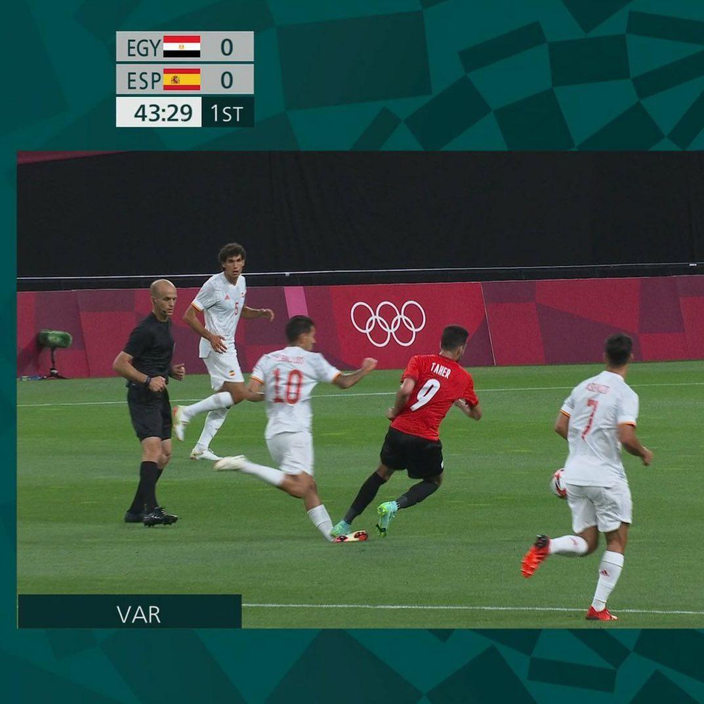 Olympic Ai Cập chơi thô bạo, Olympic Tây Ban Nha mất 2 trụ cột - Ảnh 3.