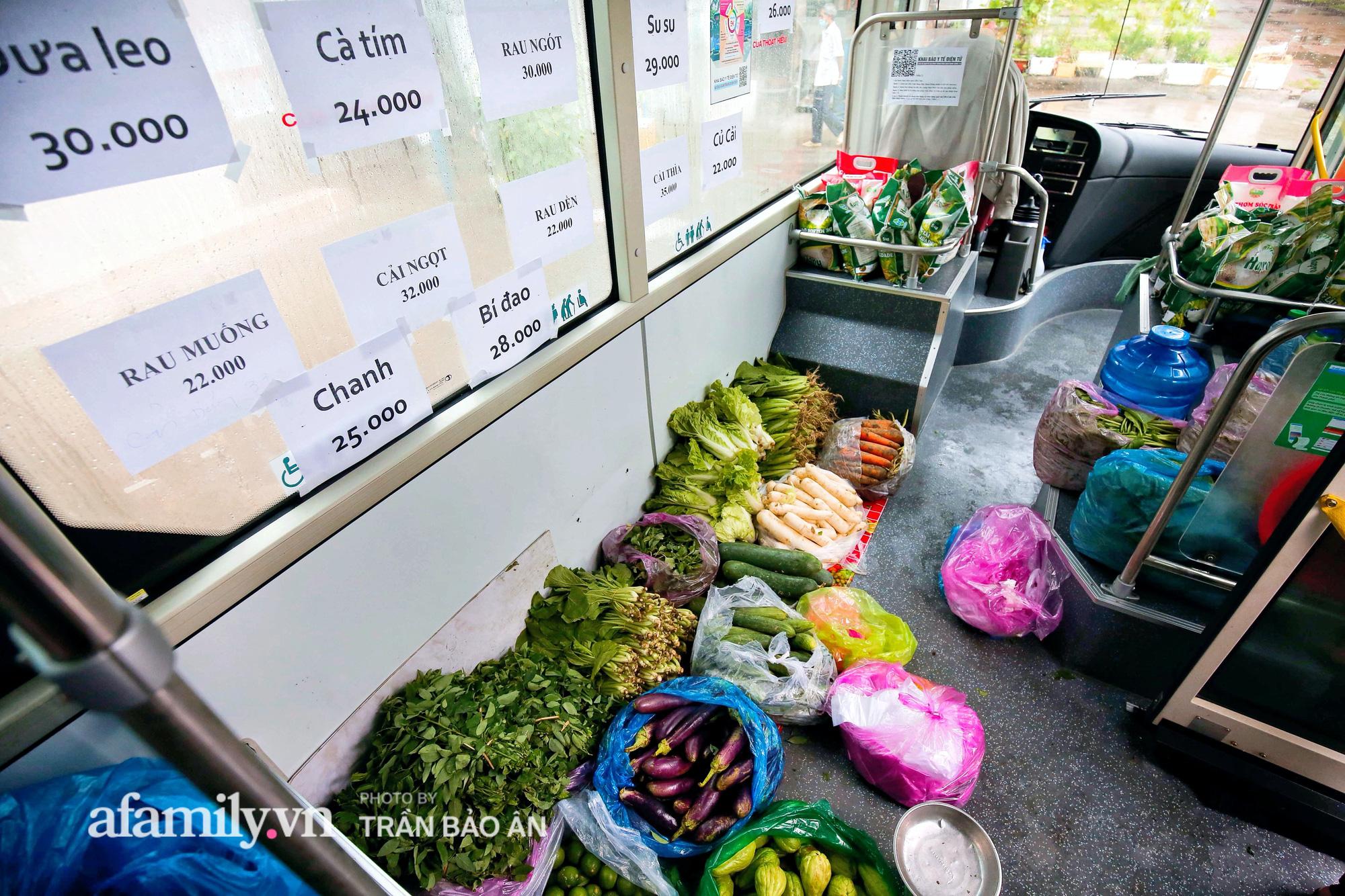 Người Sài Gòn lên xe buýt để... mua rau củ, thịt cá giá bình ổn, đảm bảo an toàn đủ các bước nhưng quan trọng chất lượng liệu ra sao? - Ảnh 7.