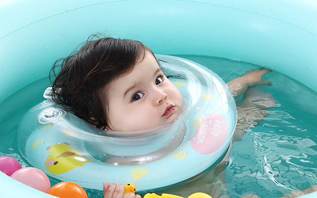 Bé 1 tuổi bị đuối nước trong phòng tắm, nguyên nhân từ hành động vô tình của người bà - Ảnh 2.
