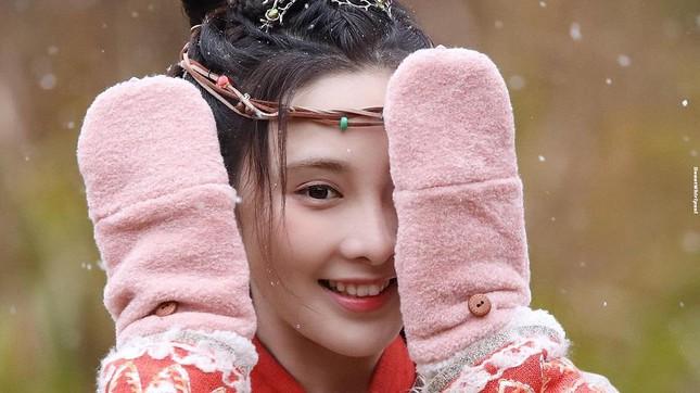 """Mỹ nữ """"Đông Cung"""" - Bành Tiểu Nhiễm cực xinh khi đóng cặp Phùng Thiệu Phong, netizen kêu gào tránh xa chồng cũ Triệu Lệ Dĩnh  - Ảnh 7."""