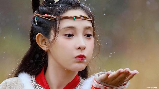 """Mỹ nữ """"Đông Cung"""" - Bành Tiểu Nhiễm cực xinh khi đóng cặp Phùng Thiệu Phong, netizen kêu gào tránh xa chồng cũ Triệu Lệ Dĩnh  - Ảnh 10."""