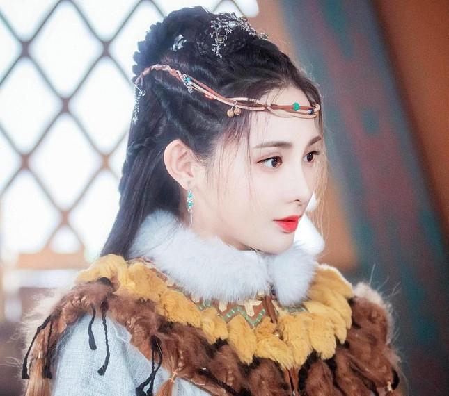 """Mỹ nữ """"Đông Cung"""" - Bành Tiểu Nhiễm cực xinh khi đóng cặp Phùng Thiệu Phong, netizen kêu gào tránh xa chồng cũ Triệu Lệ Dĩnh  - Ảnh 6."""