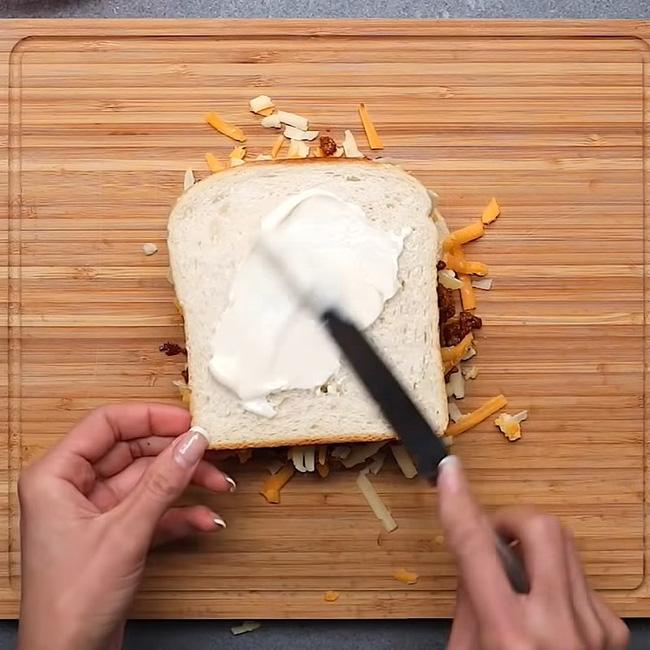 """3 cách """"hô biến"""" ổ bánh mỳ thành món ăn vừa ngon vừa sang mắt: Khoe thành phẩm đảm bảo ngàn like! - Ảnh 19."""