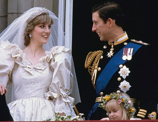 Cháu gái Công nương Diana từ chối đeo vương miện gia truyền trong ngày cưới: Ý nghĩa ẩn sâu khiến ai nấy đều xúc động - Ảnh 3.
