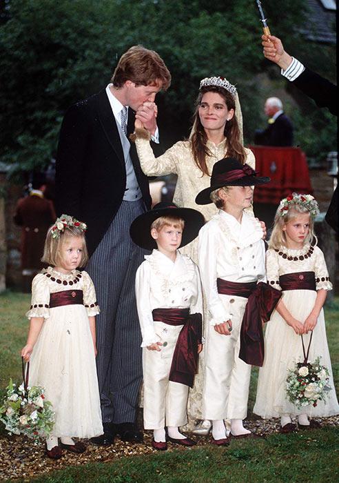 Cháu gái Công nương Diana từ chối đeo vương miện gia truyền trong ngày cưới: Ý nghĩa ẩn sâu khiến ai nấy đều xúc động - Ảnh 4.