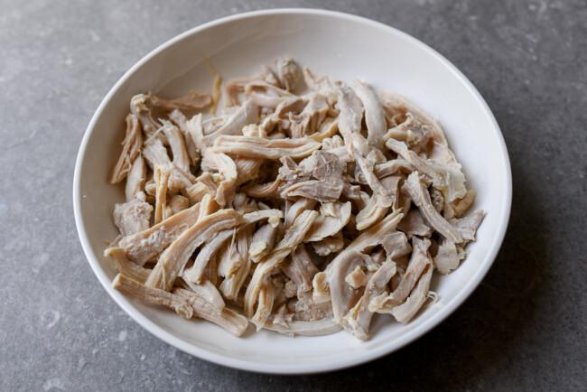 Món salad gà làm nhanh ăn ngon này sẽ giúp bạn giảm cân nhanh chóng - Ảnh 9.