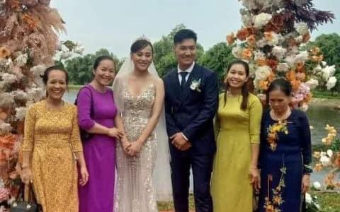 HOT nhất Hương vị tình thân: Long - Nam bị lộ ảnh cưới chụp cùng họ hàng, fan đua nhau lên thuyền trở lại