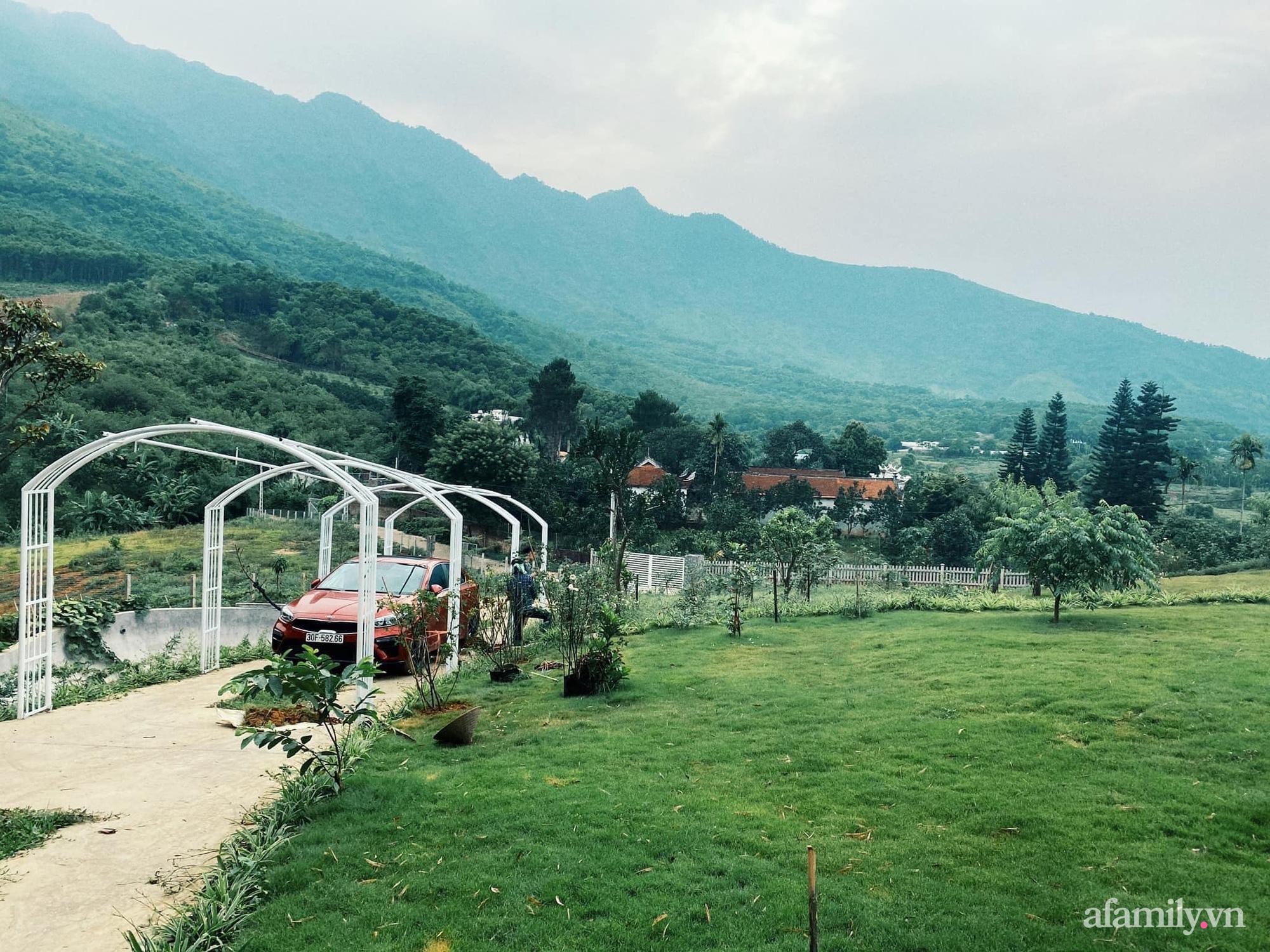 Căn nhà vườn trên núi đẹp an yên, tĩnh lặng với những xanh tươi đẹp đẽ ở ngoại thành Hà Nội - Ảnh 4.