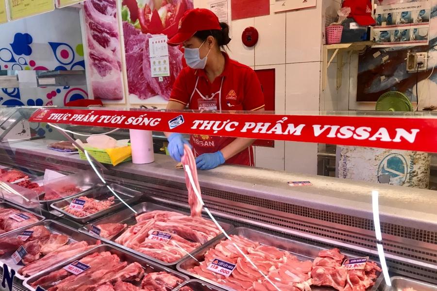 Vissan tạm ngưng bán thịt heo đóng vỉ, bà nội trợ Sài Gòn mua thịt heo ở đâu? - Ảnh 3.