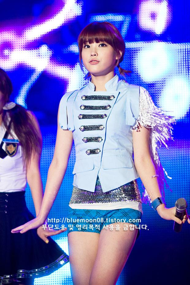 """Hội idol gen 2 năm 16 tuổi: Ai cũng từng có thời làm """"baby cute"""", có người khác hẳn so với bây giờ - Ảnh 2."""