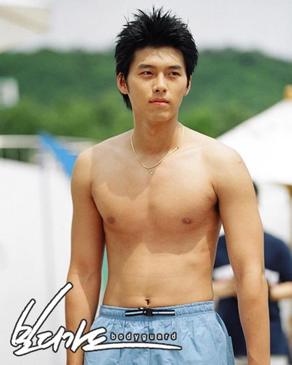 """Một bộ phim """"mát mẻ"""" của Hyun Bin bất ngờ hot trở lại sau 18 năm: Fan sốc khi biết được nguyên nhân ảnh bị """"đào bới"""" - Ảnh 4."""
