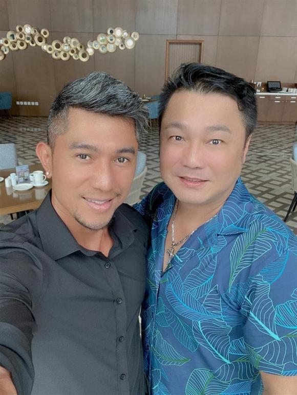 Lương Bằng Quang khoe ảnh chụp cùng Lý Hùng, ai cũng hốt hoảng vì không nhận ra thần tượng  - Ảnh 1.