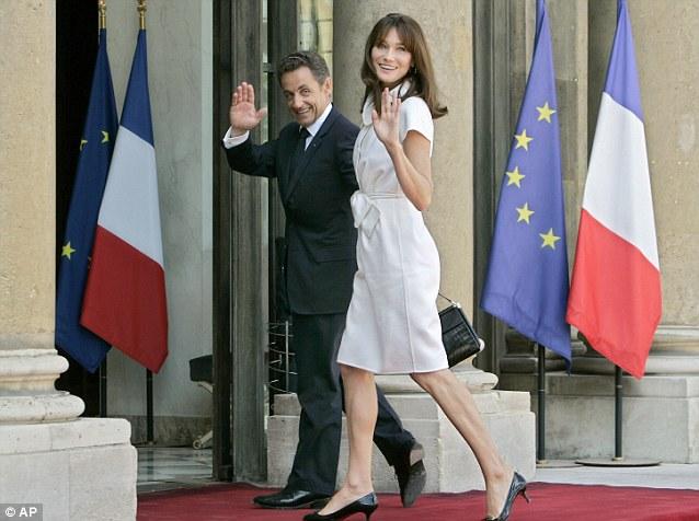Từng có một cựu Phu nhân Tổng thống Pháp với phong cách thanh lịch thời thượng, luôn chiếm sóng tại hàng ghế đầu của các show thời trang - Ảnh 6.