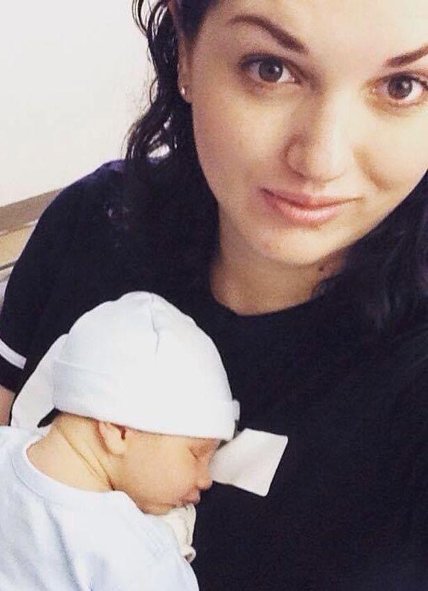 Sinh con đầu lòng không có kinh nghiệm khiến đầu em bé bị kẹt, người mẹ đau đớn chịu biến chứng gãy xương cụt, từng có lúc muốn tự tử - Ảnh 3.