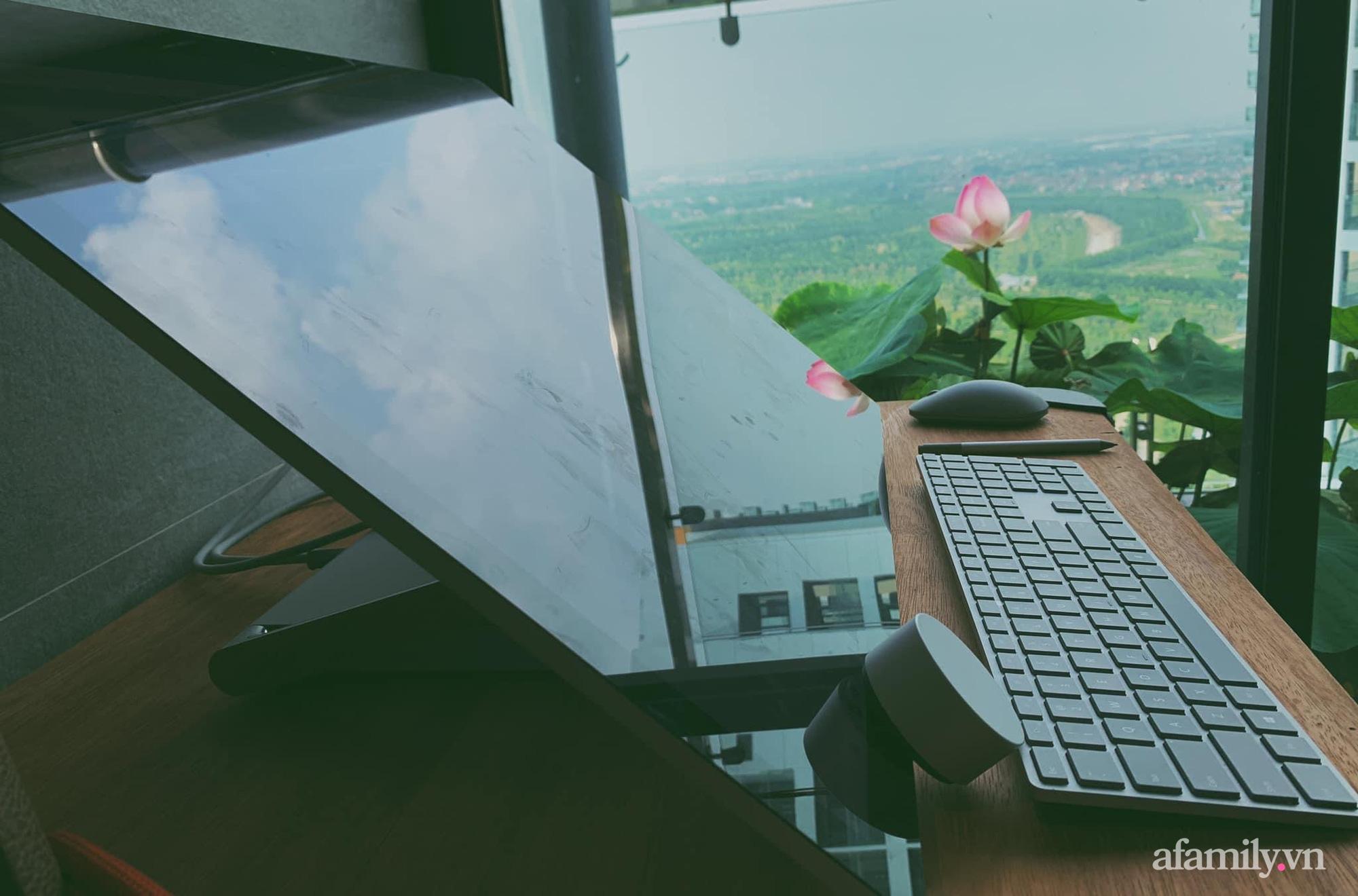 """""""Hồ sen"""" với đủ loại hoa hiếm trên penthouse 300m² của travel blogger dành tặng vợ ở Hà Nội - Ảnh 20."""