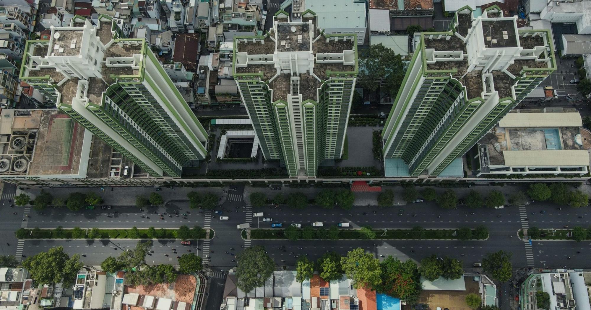 """Thuận Kiều Plaza: Từ biểu tượng hoa lệ Sài Gòn một thời, trải qua 3 thập kỷ đầy """"tai tiếng"""" với đủ thứ chuyện u mê và hy vọng hồi sinh giữa đại dịch - Ảnh 4."""