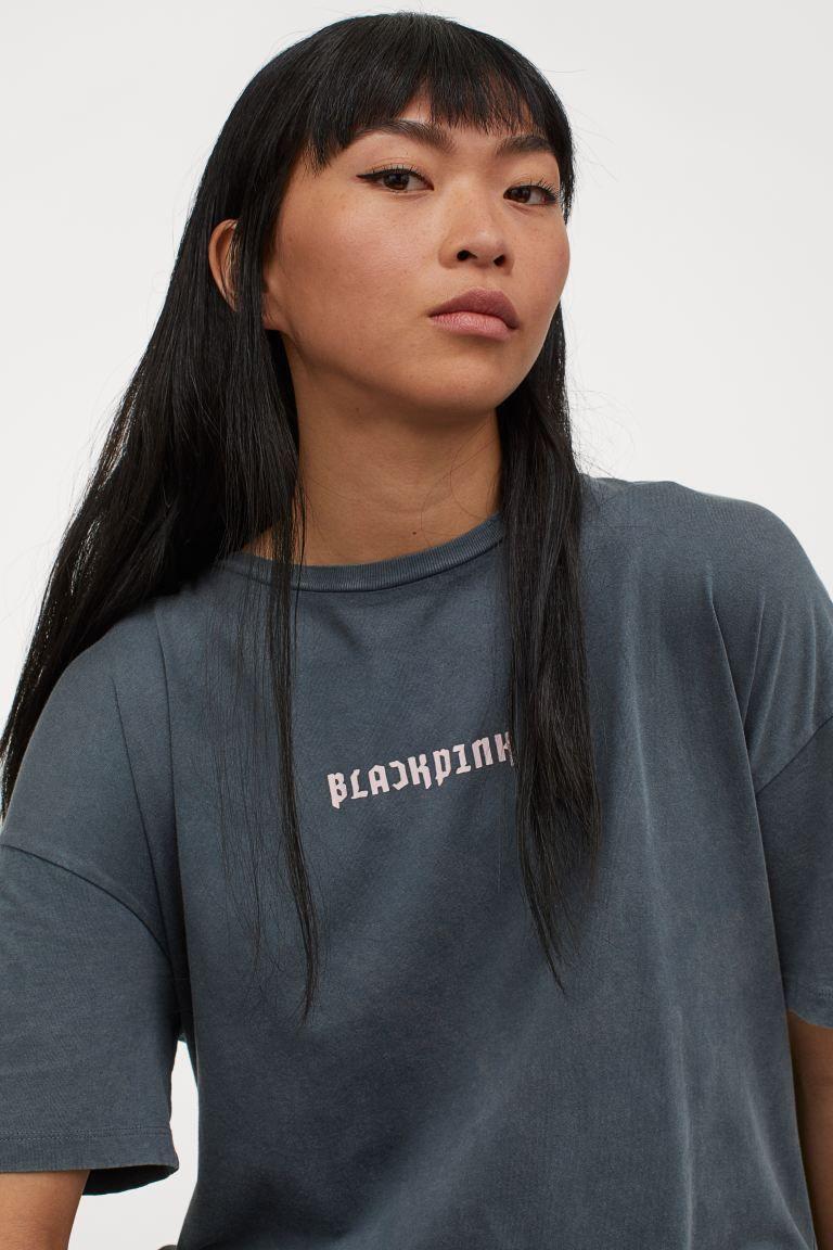 """H&M tung BST hợp tác với BLACKPINK nhưng bị netizen chê tơi tả vì quê kiểng: """"Như hàng chợ, may ra chỉ có Jennie cứu được"""" - Ảnh 4."""