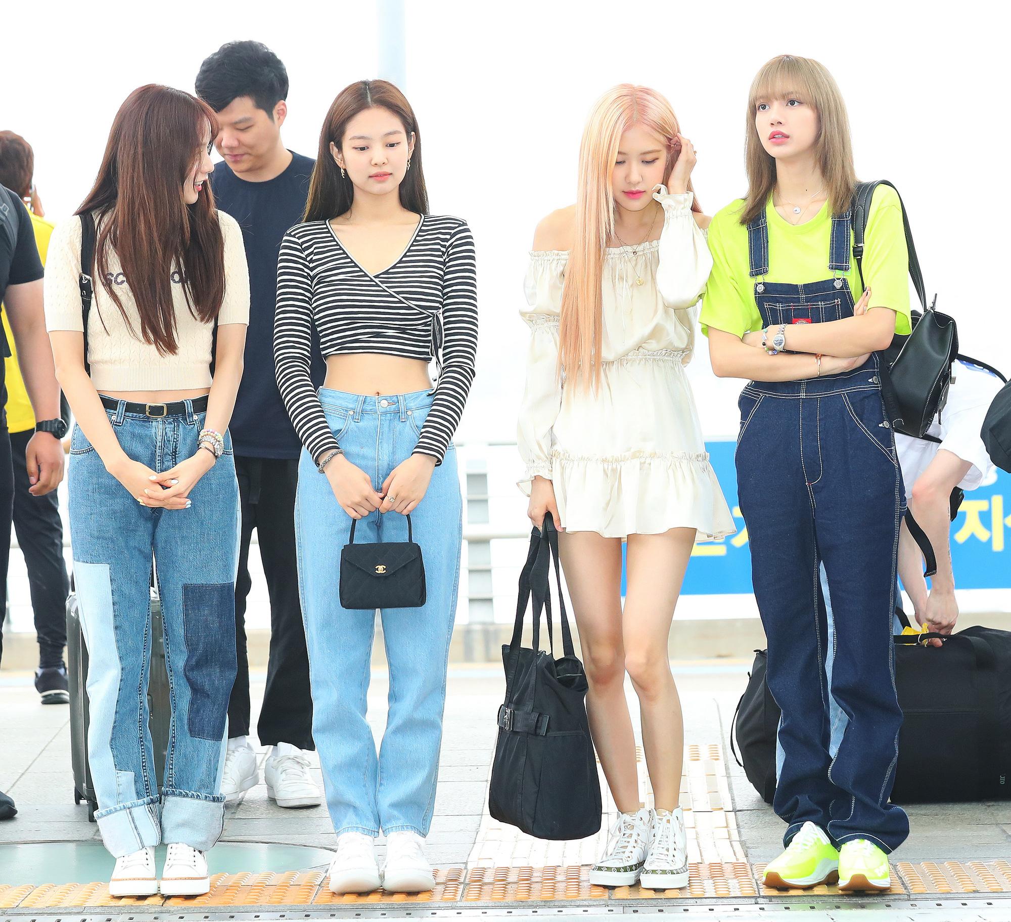 """H&M tung BST hợp tác với BLACKPINK nhưng bị netizen chê tơi tả vì quê kiểng: """"Như hàng chợ, may ra chỉ có Jennie cứu được"""" - Ảnh 1."""