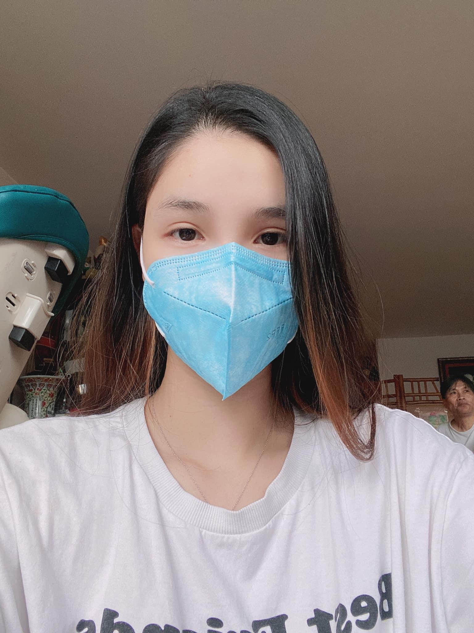 Cuối tuần của hội hot mom: Bé Sa nhà Quỳnh Trần JP có diện mạo khác lạ, con gái MC Minh Trang háo hức về vườn vặt khế đem phơi - Ảnh 9.