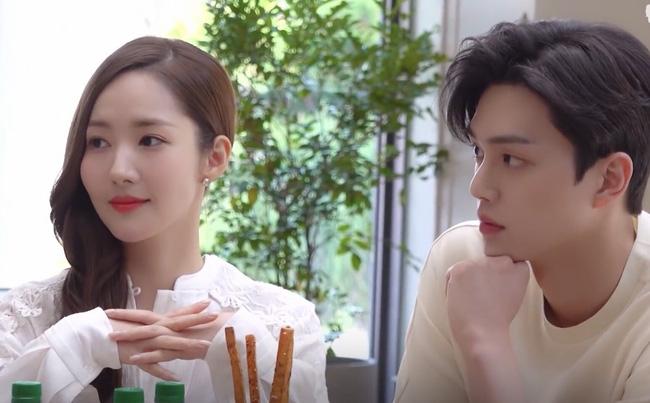 """Park Min Young gây hoang mang vì tạo hình trong phim mới """"già chát"""", Song Kang của Nevertheless đóng vai người yêu lại quá """"non"""" - Ảnh 4."""