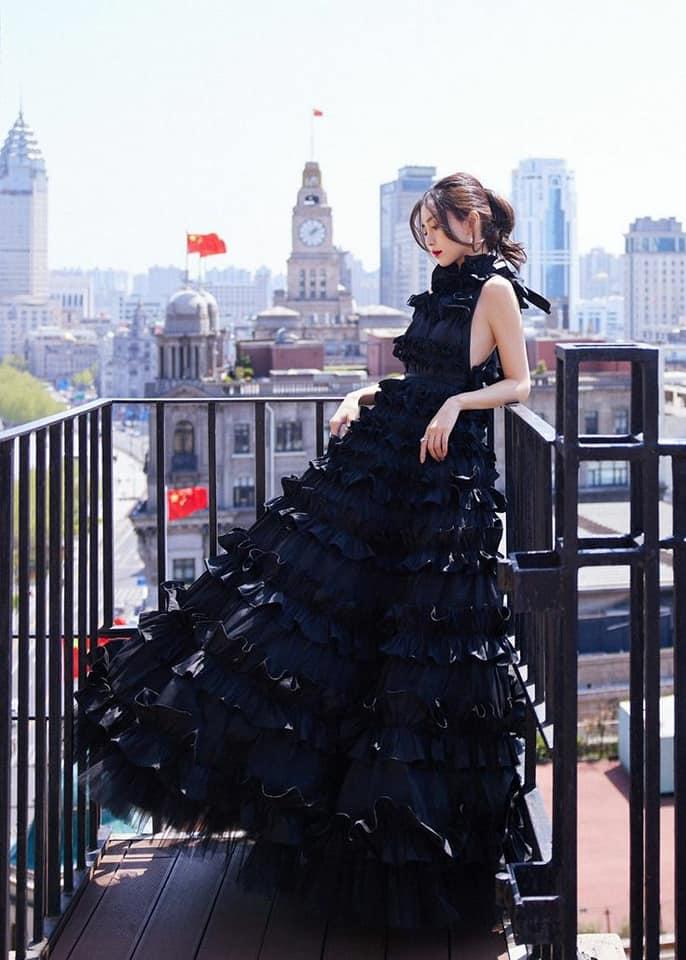 Mỹ nhân Cbiz khi diện váy xếp tầng