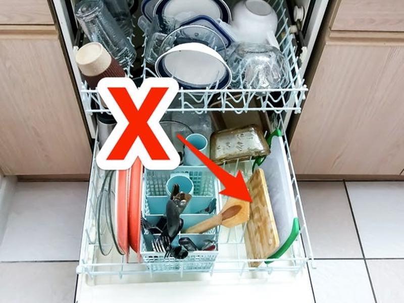 8 cách vệ sinh đồ dùng sai lầm làm hỏng đồ đạc trong nhà mà nhiều người vẫn làm  - Ảnh 7.