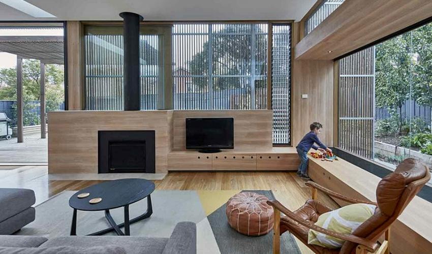 Căn nhà gỗ một tầng mang cuộc sống của gia đình trẻ hòa mình cùng thiên nhiên - Ảnh 1.