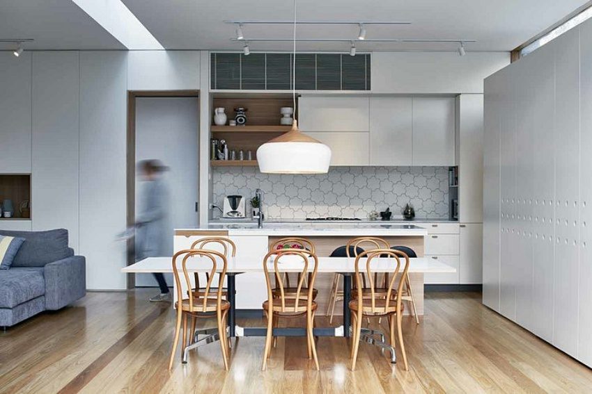 Căn nhà gỗ một tầng mang cuộc sống của gia đình trẻ hòa mình cùng thiên nhiên - Ảnh 5.