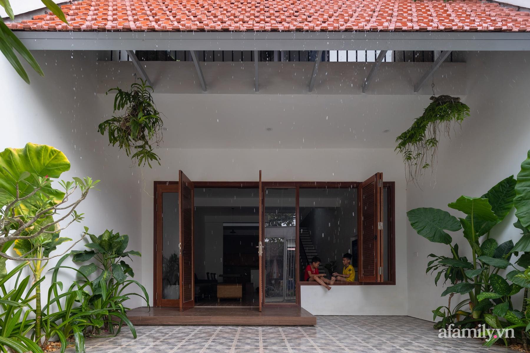 Ngôi nhà ngói gói gọn bình yên với những tiện nghi và hiện đại ở thị trấn nông thôn Nghệ An - Ảnh 9.