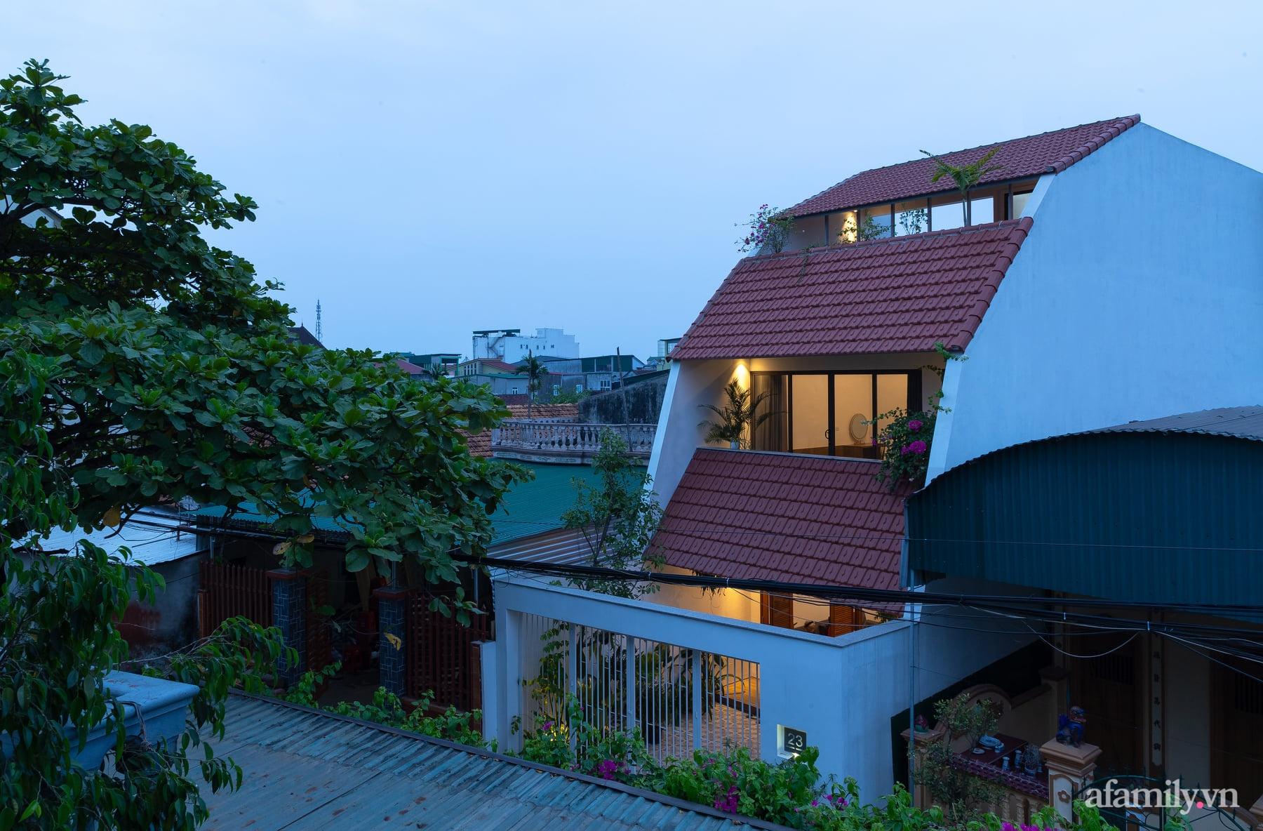Ngôi nhà ngói gói gọn bình yên với những tiện nghi và hiện đại ở thị trấn nông thôn Nghệ An - Ảnh 3.