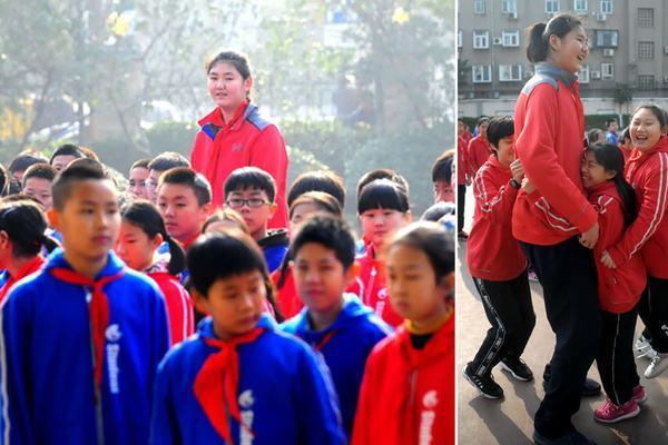 Trung Quốc: Nhiều cha mẹ vung tiền, ép con tiêm hormone tăng chiều cao - Ảnh 1.