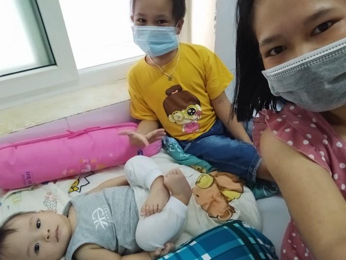 """Nữ điều dưỡng F0 xin ở lại khu điều trị làm """"bảo mẫu"""" cho các em nhỏ - Ảnh 3."""